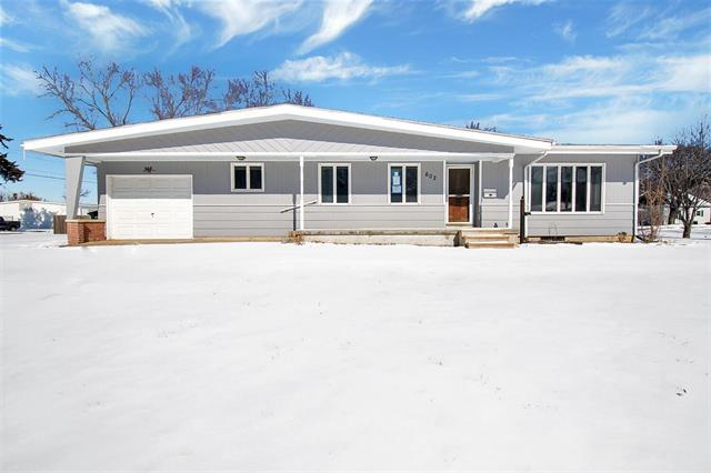 For Sale: 602 W 3rd St, Halstead KS