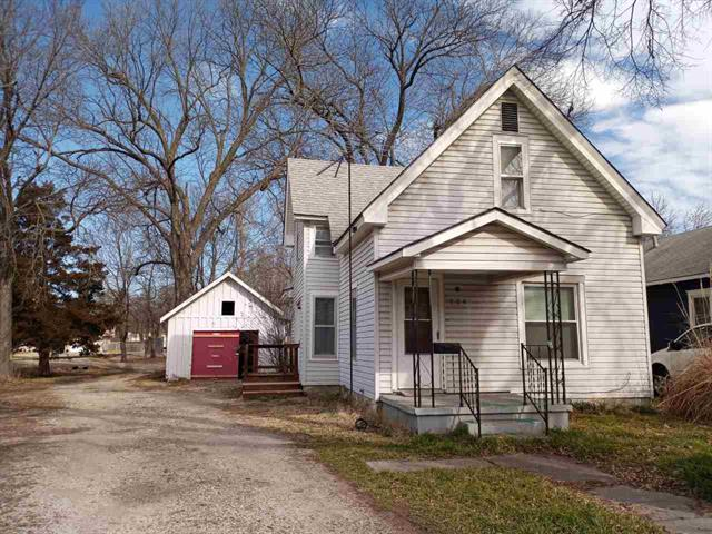 For Sale: 704 E 13TH AVE, Winfield KS