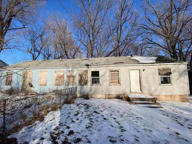 For Sale: 3388 E CESSNA ST, Wichita KS