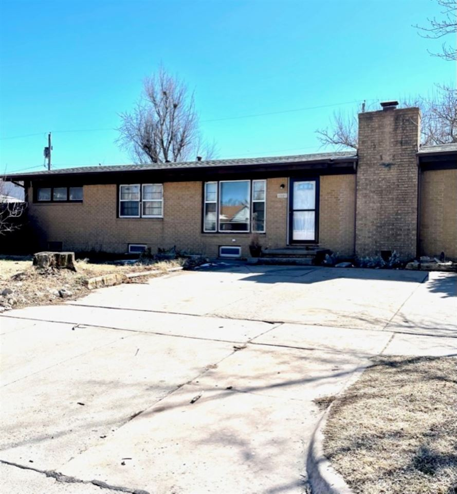 Come check out this spacious 3 bedroom home located in a quiet neighborhood with a basement. The ful