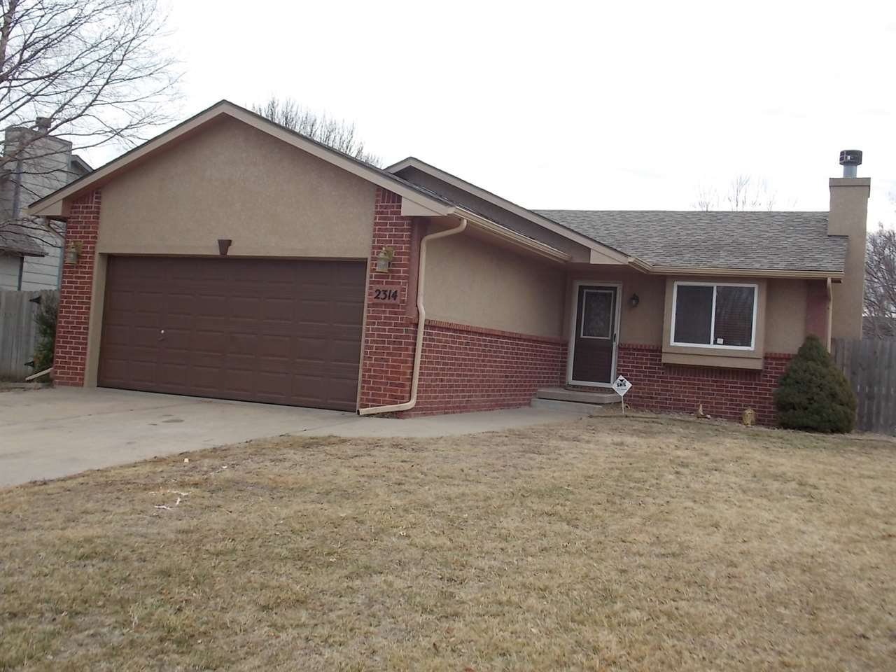 BEAUTIFUL RANCH HOME WITH 3 BEDROOMS 2 BATHS, GREAT NEIGHBORHOOD AND LOCATED IN GODDARD SCHOOLS DIST