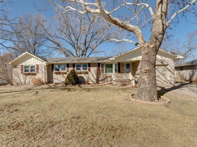 For Sale: 209 S Wilson St, Hillsboro KS