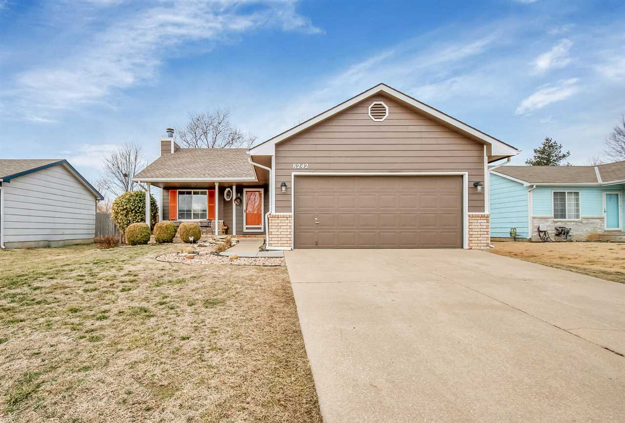 Welcome to this charming MOVE IN READY home in a nice established west Wichita neighborhood! In a ni