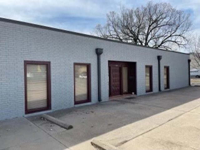 For Sale: 1605 E 2nd St N, Wichita KS