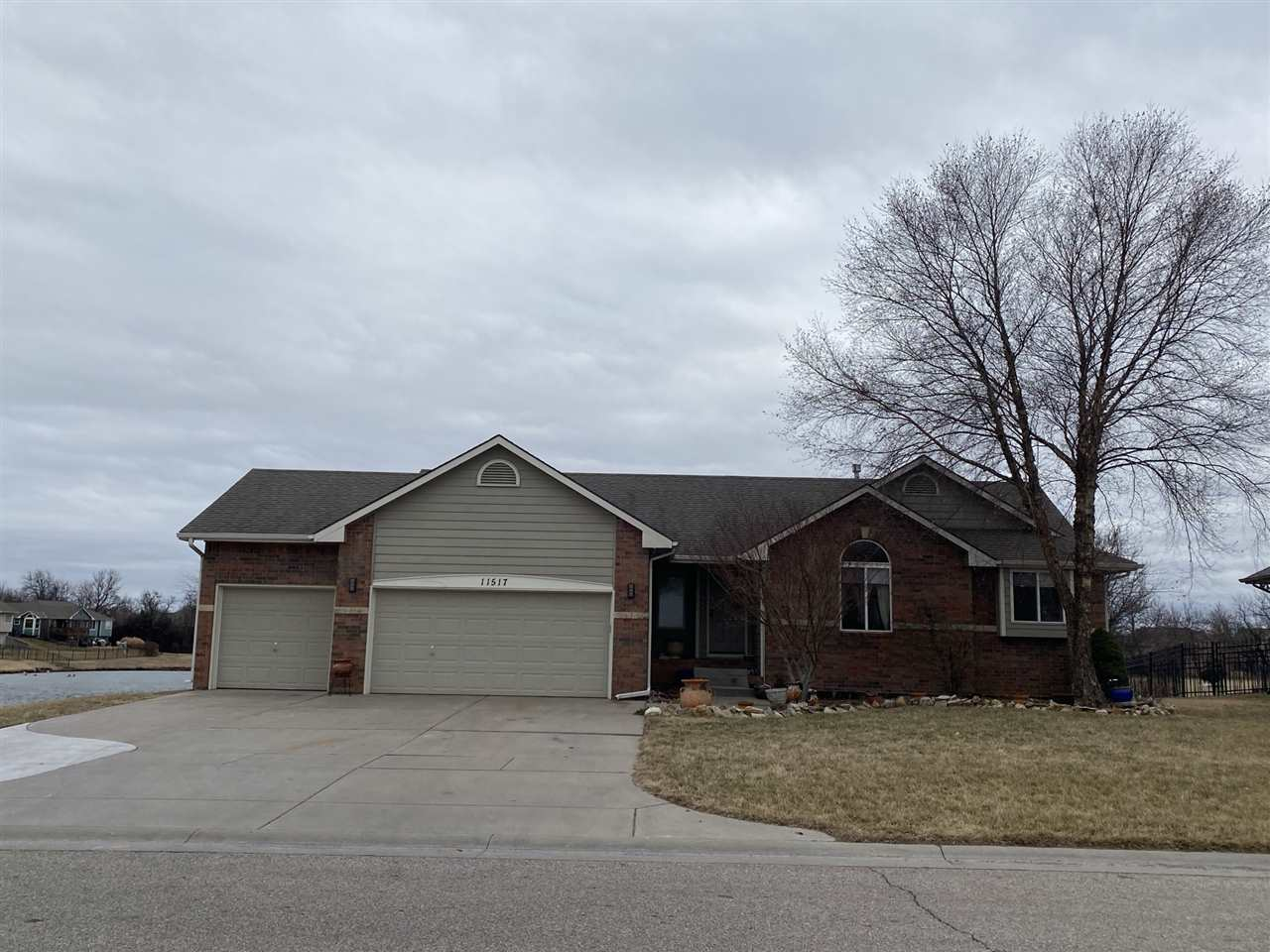 Fantastic home located in east Wichita close to many amenities, churches, and schools.  Panoramic vi