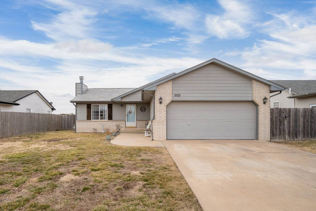 Welcome home to this fresh and open 3bed/3bath/2car farmhouse-inspired ranch with no rear neighbors.