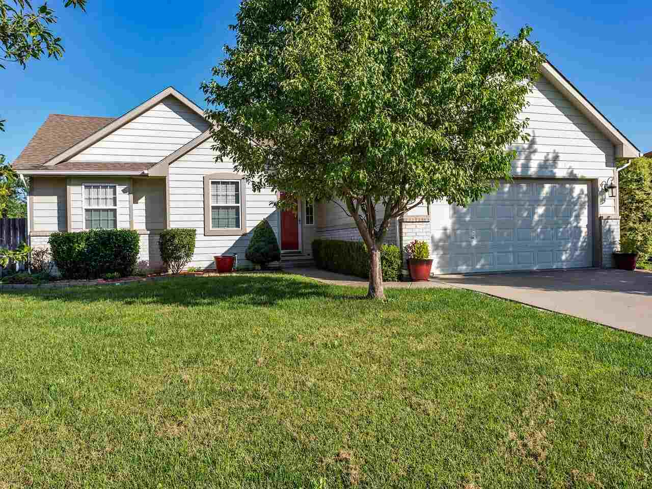 Exactly what you are looking for!  Great neighborhood*Ranch plan with 3 bedrooms and 2 baths on main