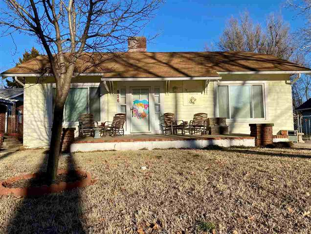 For Sale: 916 N A St, Arkansas City KS