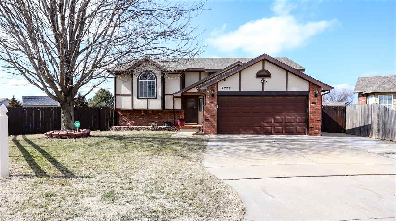 Welcome home to this well maintained split-level beauty in west Wichita! Right away you'll notice th