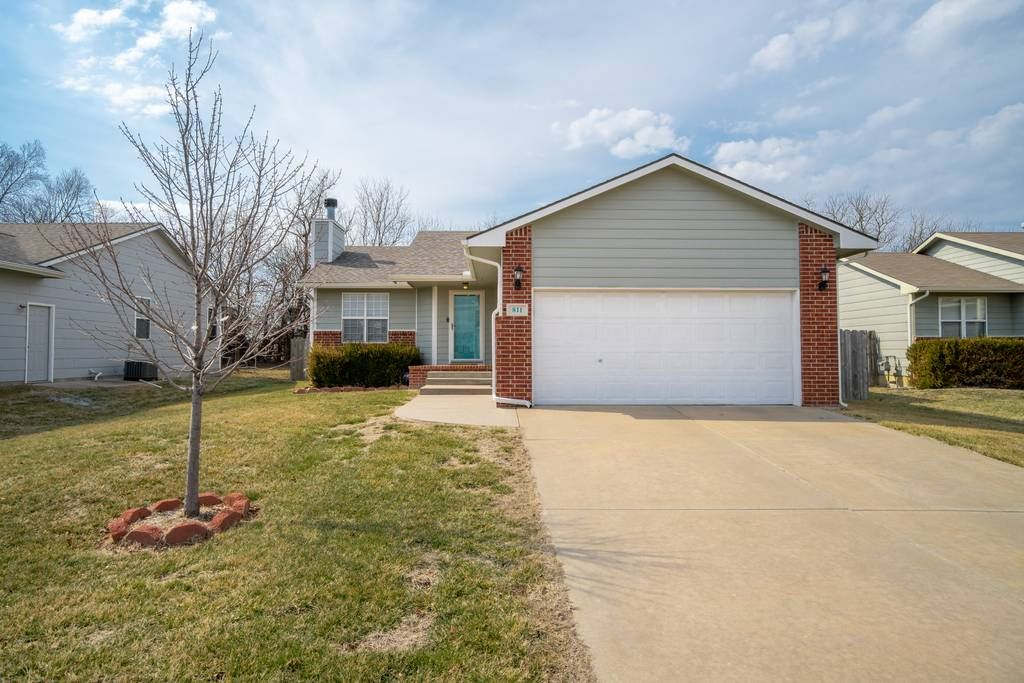 Welcome home to this move-in ready 3 bed/3 bath/2 car ranch in SE Wichita.  This home features moder