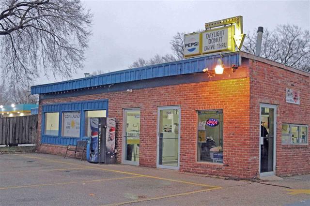 For Sale: 1524  Main St., Winfield KS