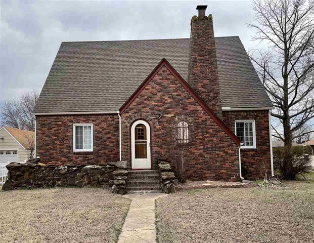 For Sale: 321 W 2nd Ave, Cheney KS