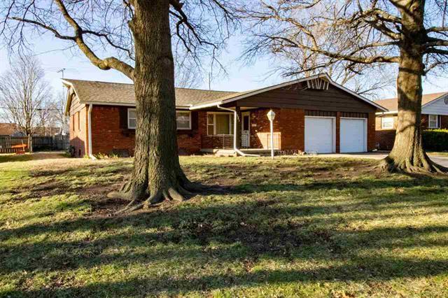 For Sale: 8017 E WATSON LN, Wichita KS