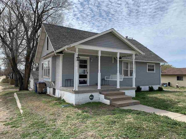 For Sale: 221 W H Ave, Kingman KS