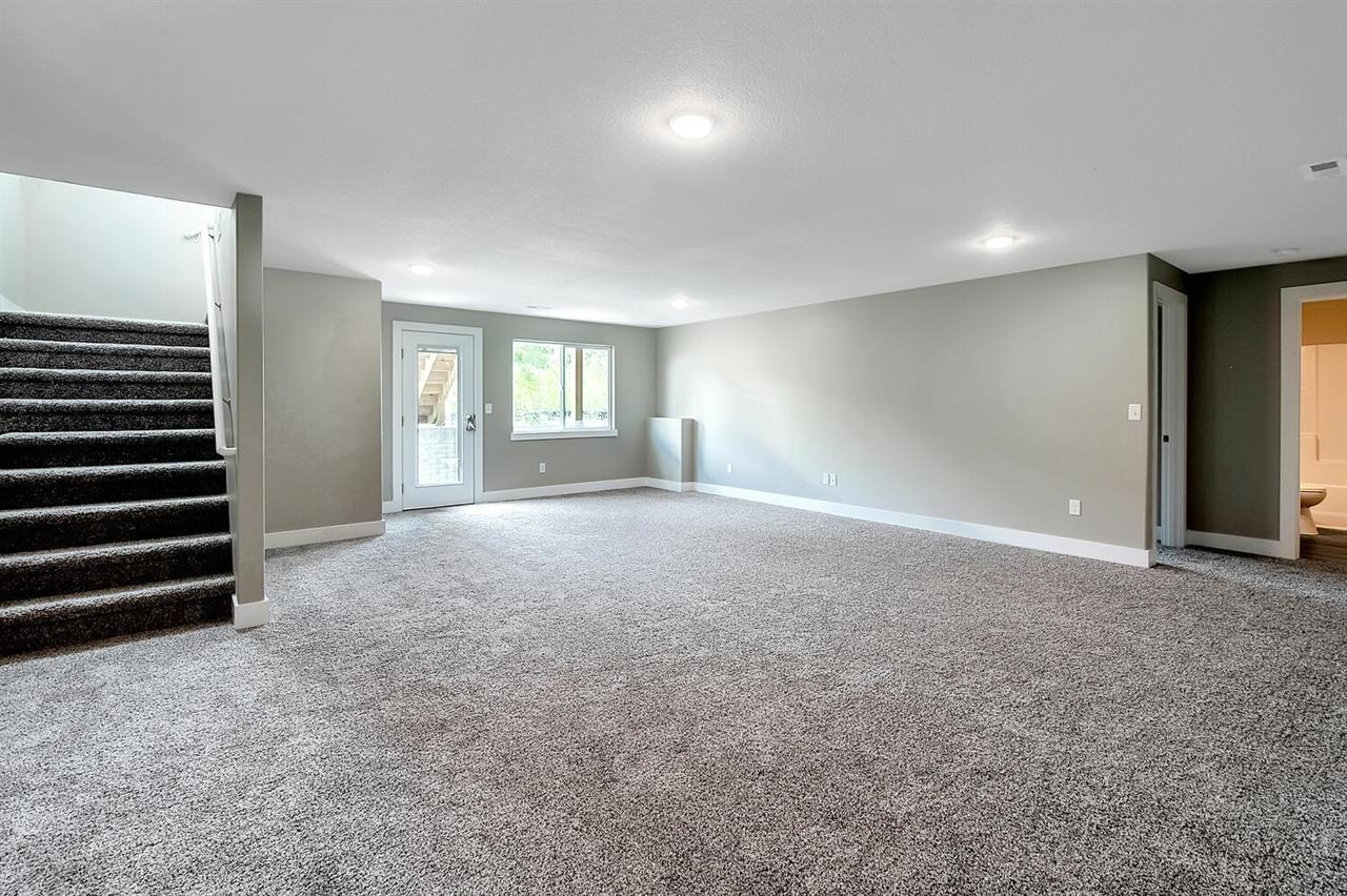 For Sale: 407 S Sweetwater Rd, Maize KS