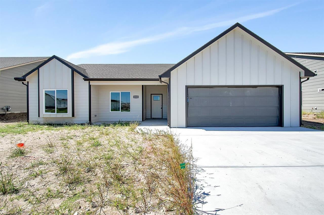 For Sale: 419 S Sweetwater Rd, Maize KS