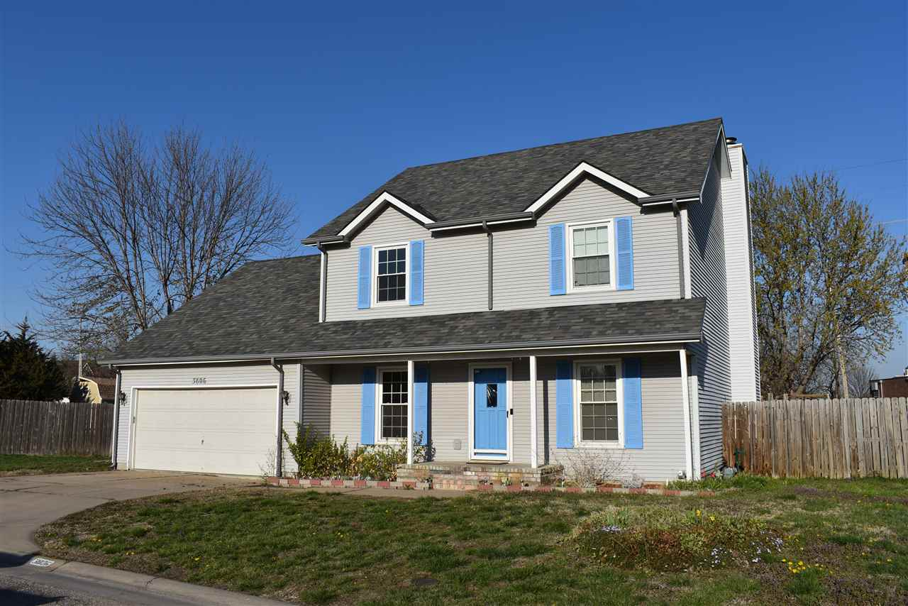 Great Price allows for Lots of Equity with Minimal Work!  Large 3 bed/3.5 bath home in Teal Cove 2nd
