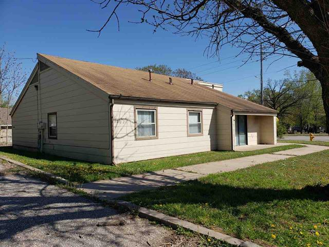 For Sale: 1402-1404 N 15th St, Arkansas City KS