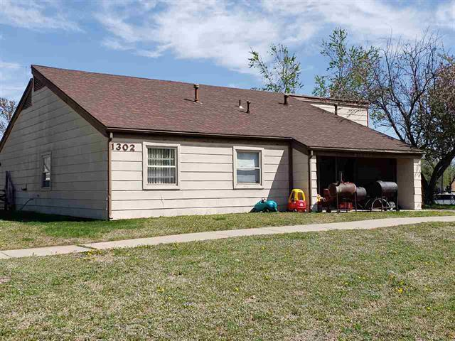 For Sale: 1302-1304 N 12th St, Arkansas City KS