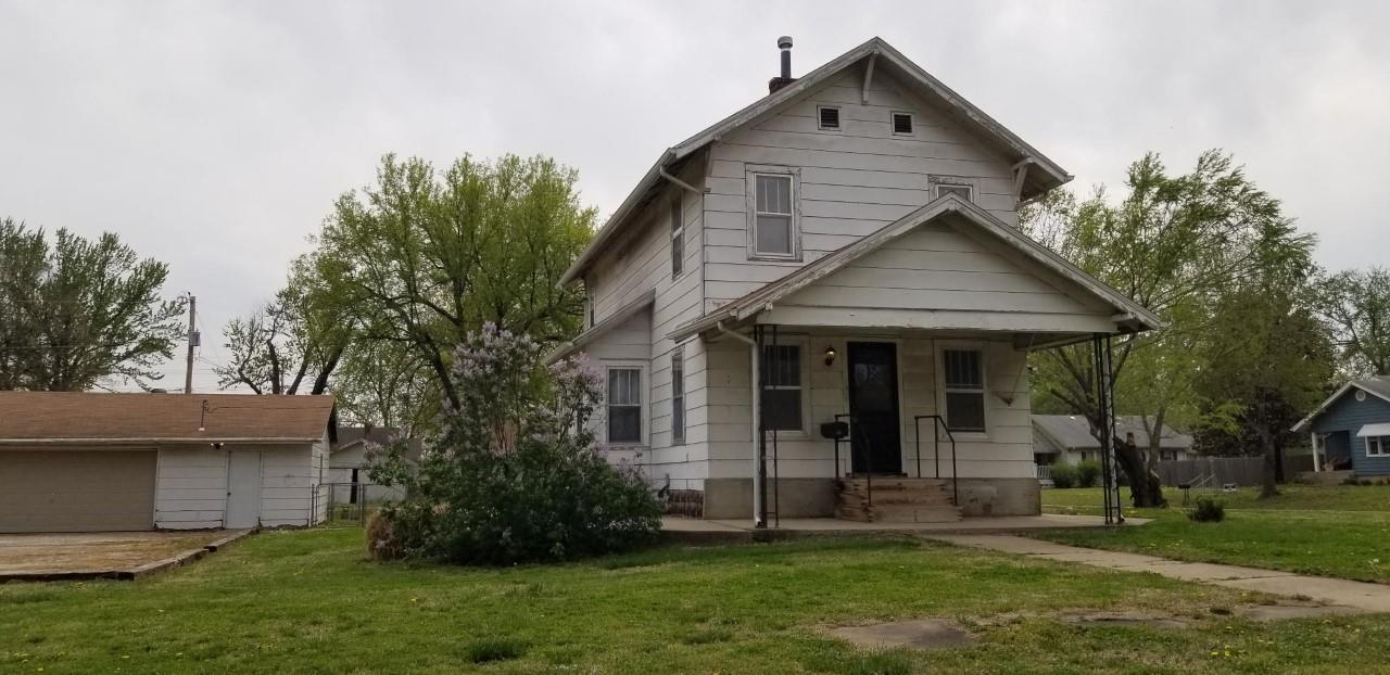 For Sale: 501 E 18TH AVE, Winfield KS