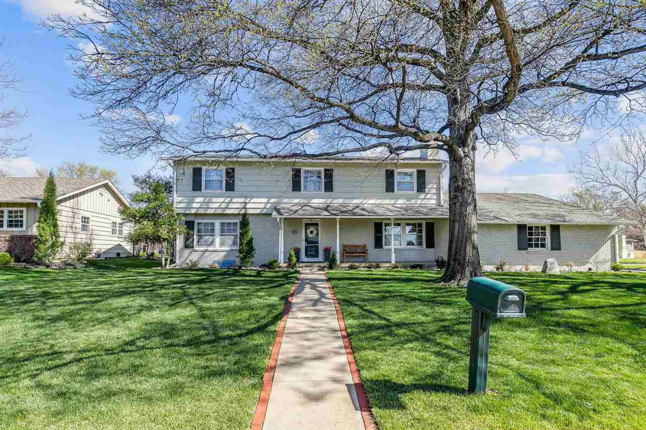 This home is the perfect combination - a gorgeous, impressive remodeled and updated home with a fant