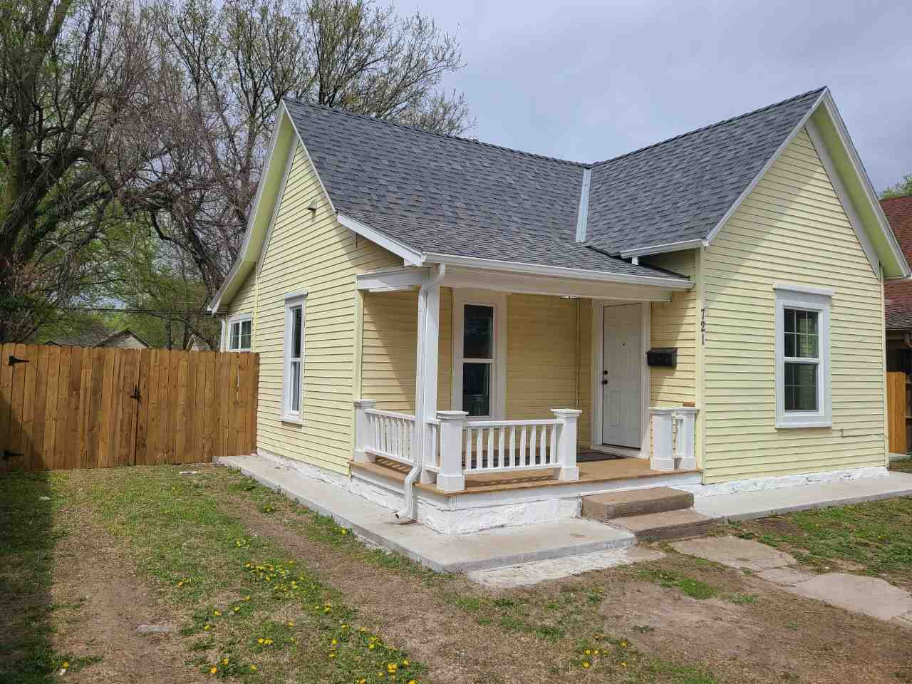 Beautiful starter home or make it your first investment property!  No need to put money into to it.