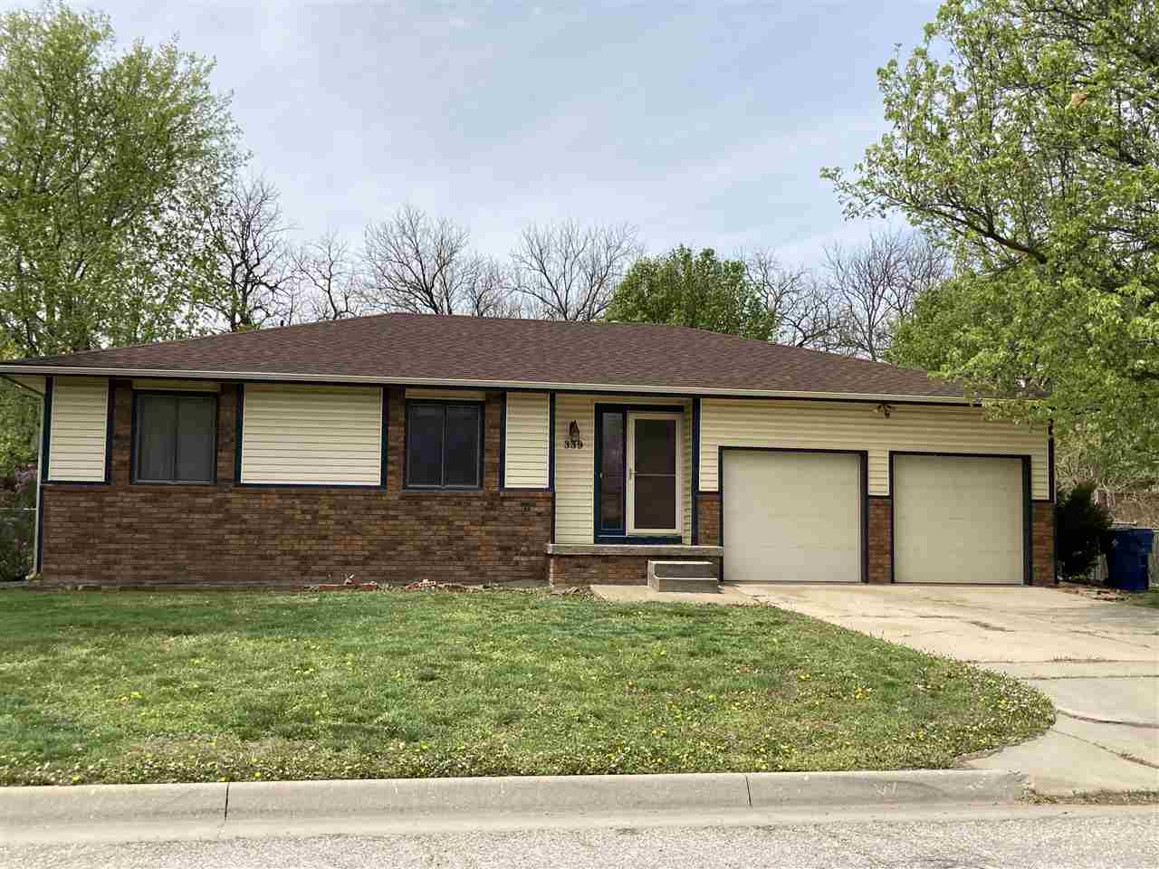 Great opportunity to own a home in desirable Westlink Neighborhood. Great floor plan, fenced backyar