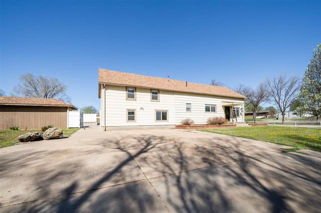 For Sale: 833 N Douglas, Kingman KS