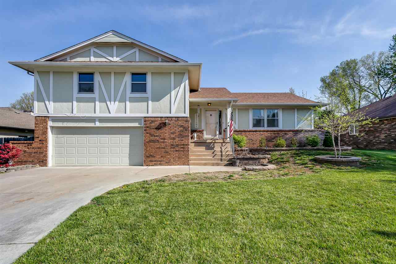 Are you looking for the perfect place to spend your summer?? This is it!! This 5 bedroom, 2.5 bath,