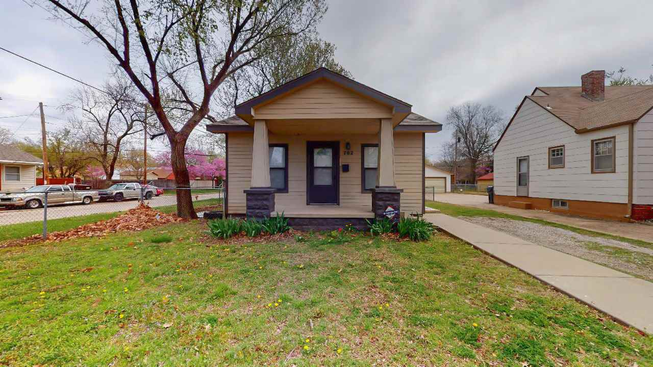 Don't miss this 3 Bedroom - 1 Bath starter Home! Kitchen has lots of cabinet space and a new stove!