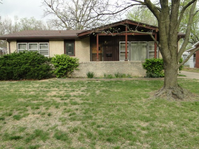 Come and see this well-kept home located in a nice, quiet neighborhood on the cities NW side with lo