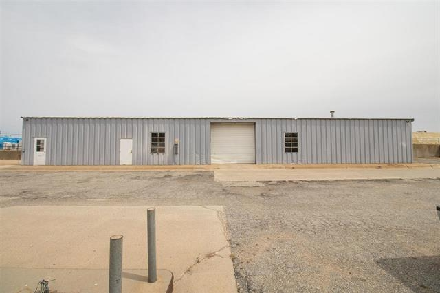 For Sale: 702 E C Ave, Kingman KS