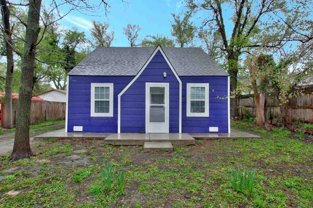 Welcome Homes! This cute 2 bed, 1 bath home in South Wichita has been recently completely remodeled