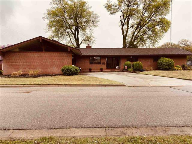 For Sale: 702 N Springfield Ave, Anthony KS