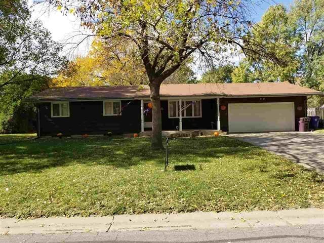For Sale: 552  Park Pl, Moundridge KS