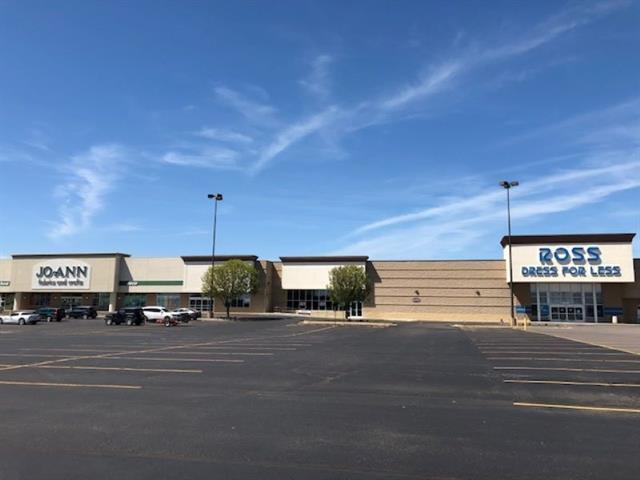 For Sale: 6920 W Kellogg Dr, Wichita KS