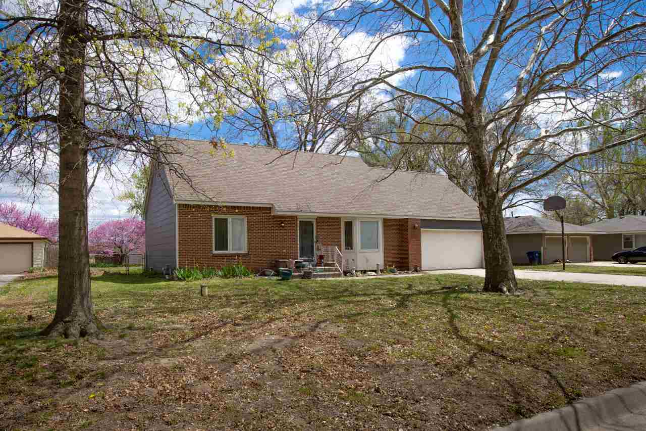 4 bedroom, 1-1/2 story home with 2 bath and  finished basement, 2 car garage.  Your sweat equity wil