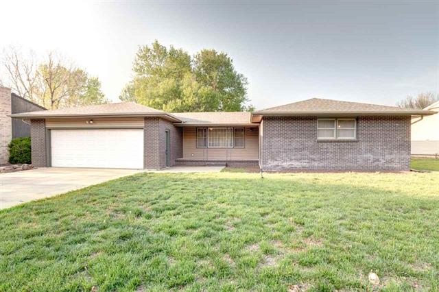 For Sale: 908 W 10TH ST, Newton KS