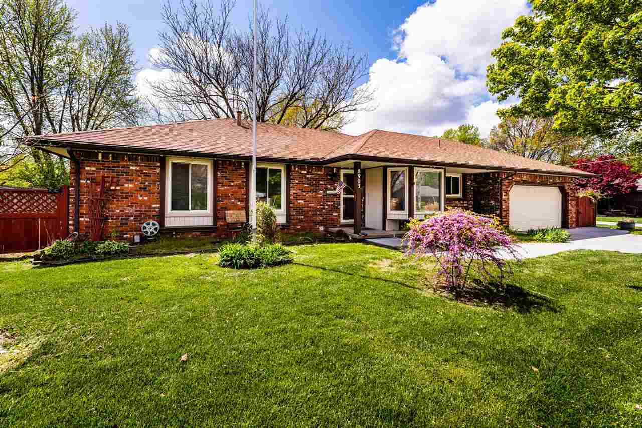 Spacious 4 br and 3 bath home in the desirable Westlink area.  This home has been well cared for ove