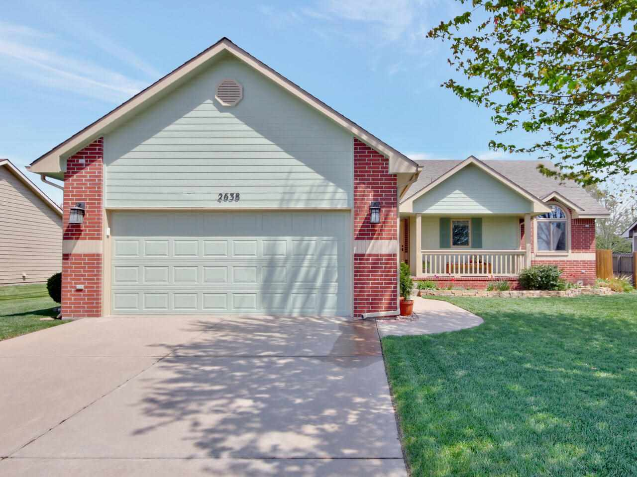 This super clean, well maintained home in Bradford South features 4 bedrooms and 3 bathrooms.  The K