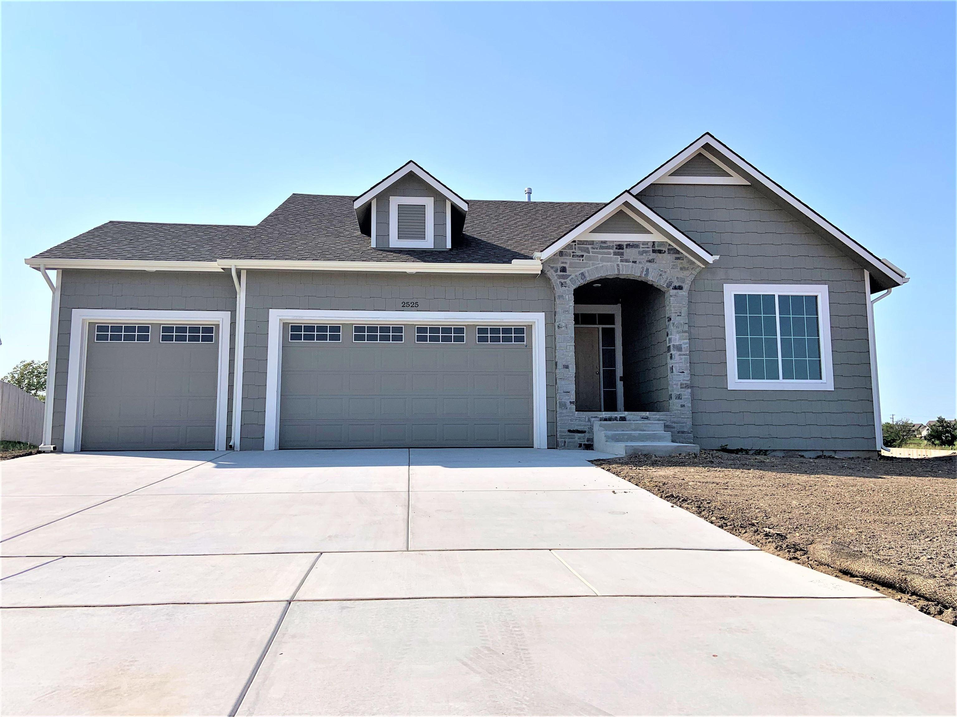 2525 S Spring Hollow St, Wichita, KS, 67230