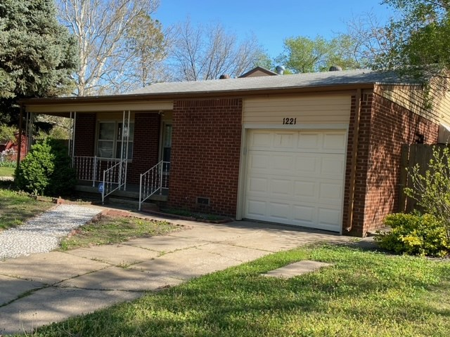Great as a starter home or as an investment property. Features 3 bedrooms, 2 baths, 3 car garage, formal dining area, covered patio/deck, dog run area. Lot sitting at a corner lot.