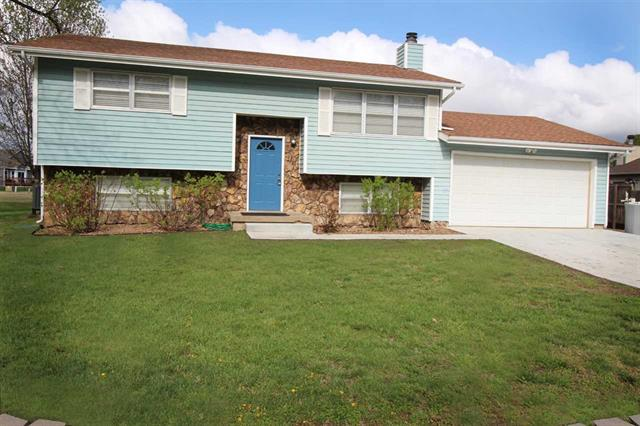 For Sale: 2  Windmill Ct, Valley Center KS