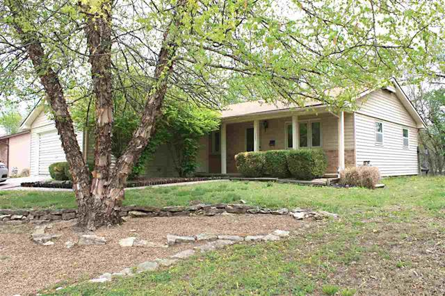 For Sale: 1302 N TAYLOR ST, El Dorado KS