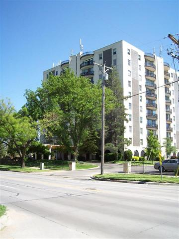 For Sale: 5051 E LINCOLN ST #4D, Wichita KS