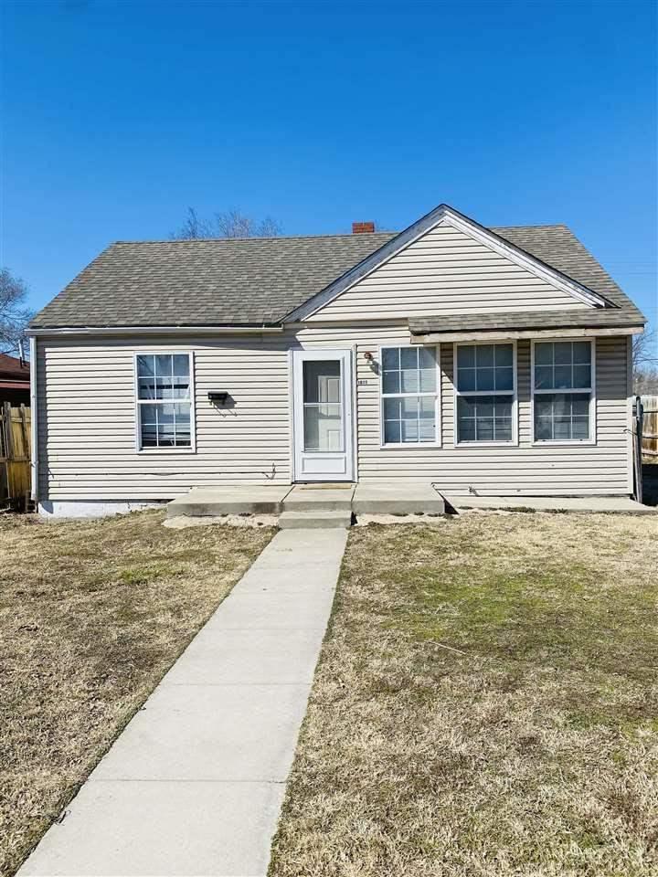 For Sale: 1617 N GROVE AVE, Wichita KS
