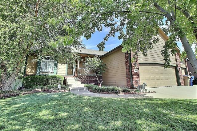 For Sale: 1500 E WINESAP ST, Haysville KS