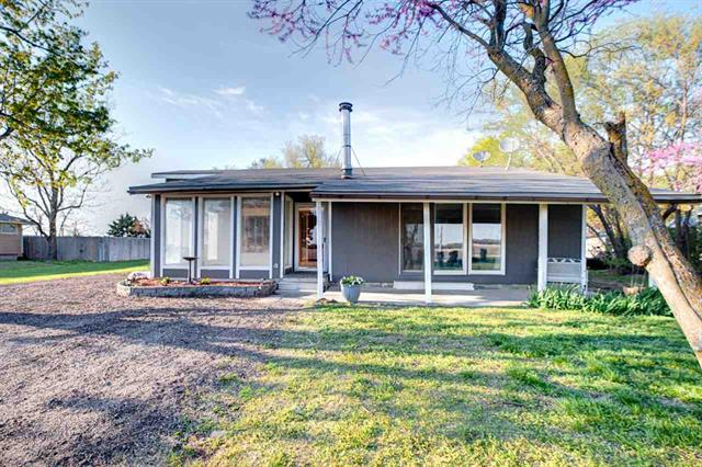 For Sale: 312 SE 48th St, Newton KS
