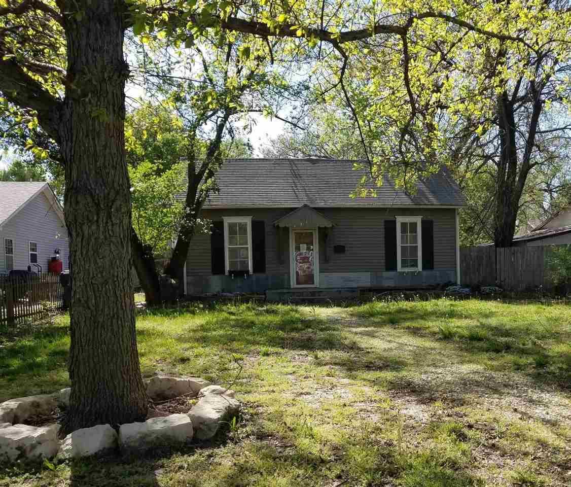 611 Spruce St, Halstead, KS, 67056