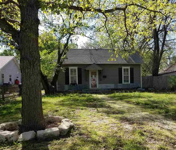 For Sale: 611  Spruce St, Halstead KS